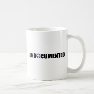 UNDOCUMENTED WORKER BASIC WHITE MUG