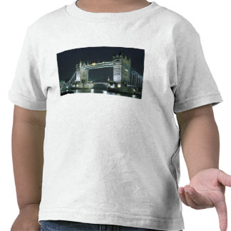 United Kingdom, England, London, Tower Bridge. Shirt