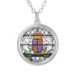 UNITED KINGDOM STAINED GLASS RICHARD III SILVER PLATED NECKLACE