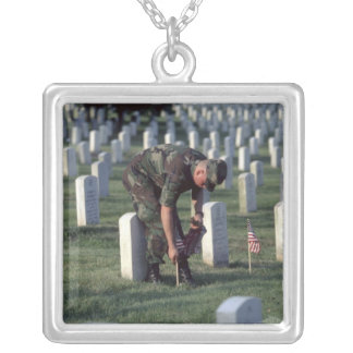 United States, State of Virginia, Arlington. Silver Plated Necklace