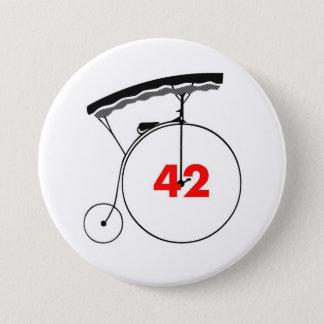Unmutual 42 7.5 cm round badge