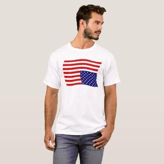 Upside Down American Flag Distress - Anti Trump T-Shirt