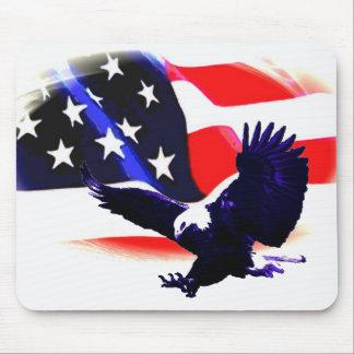 US American Flag & Landing Eagle Mousepad