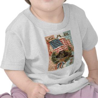 US Flag Medal Sword Rifle Wreath T Shirt