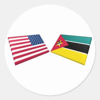 US & Mozambique Flags Round Sticker
