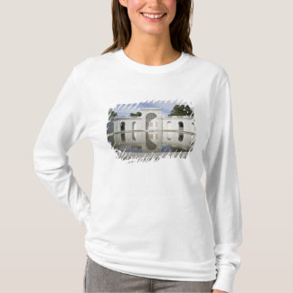 US, VA, Arlington. Women in Military Service for T-Shirt