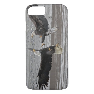 USA, Alaska, Chilkat Bald Eagle Preserve. Two iPhone 8/7 Case
