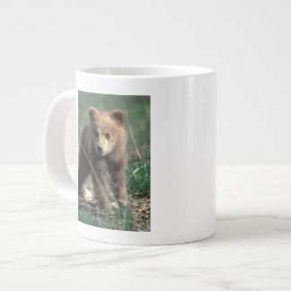 USA, Alaska, Denali National Park, Grizzly Giant Coffee Mug