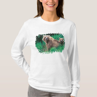 USA, Alaska, Katmai National Park, Grizzly 5 T-Shirt