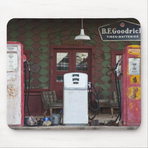USA, Arizona. Chloride Ghost Town, old gas Mousepad