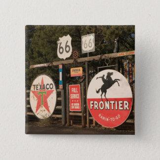 USA, Arizona, Sedona: Antique Advertising Signs 15 Cm Square Badge