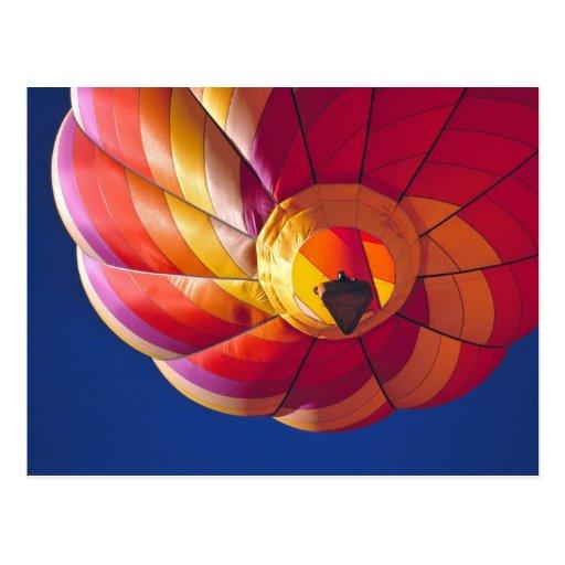 USA, Arizona, Val Vista. A colourful hot-air