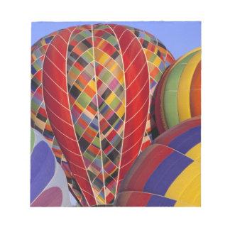 USA, Arizona, Val Vista. Colorful hot-air Notepad