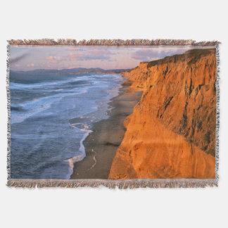 USA, California, Cliffs At Pescadero State Beach Throw Blanket