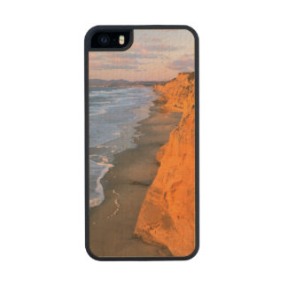 USA, California, Cliffs At Pescadero State Beach Carved® Maple iPhone 5 Slim Case