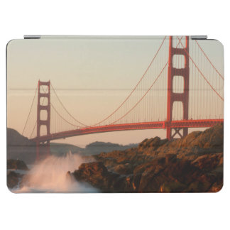 USA, California. Golden Gate Bridge View iPad Air Cover