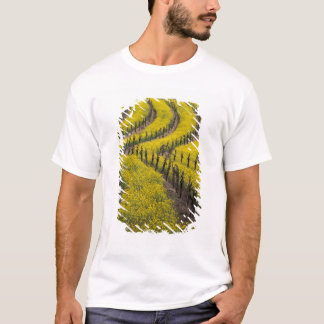 USA, California, Napa Valley, Los Carneros Ava. T-Shirt