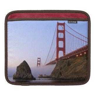 USA, California, San Francisco. Golden Gate 3 iPad Sleeve