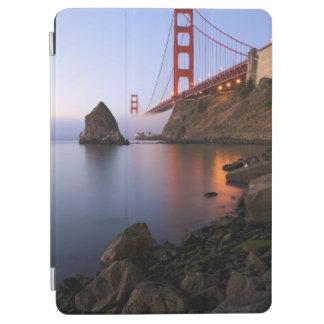 USA, California, San Francisco. Golden Gate iPad Air Cover