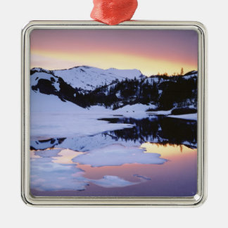 USA, California, Sierra Nevada Mountains. The Christmas Ornament