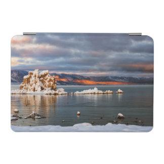 USA, California, Sunrise at Mono Lake iPad Mini Cover