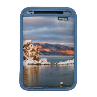 USA, California, Sunrise at Mono Lake iPad Mini Sleeve