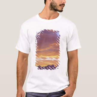 USA, California, Sunset over the Sierra Nevada T-Shirt