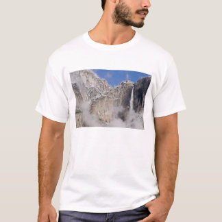 USA, California, Yosemite National Park. T-Shirt