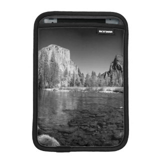 USA, California. Yosemite Valley View iPad Mini Sleeve