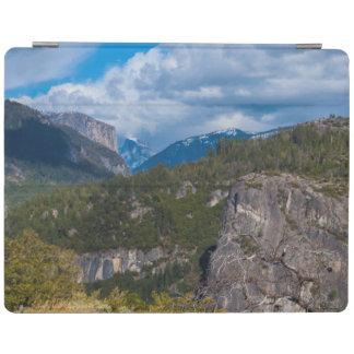 USA, California. Yosemite Valley Vista 2 iPad Cover