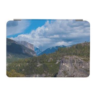 USA, California. Yosemite Valley Vista 2 iPad Mini Cover