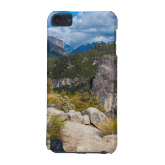 USA, California. Yosemite Valley Vista 2 iPod Touch (5th Generation) Covers