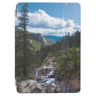 USA, California. Yosemite Valley Vista iPad Air Cover