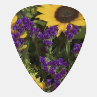 USA, close-up of bridal flower arrangement, Pick