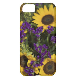 USA, close-up of bridal flower arrangement, iPhone 5C Case