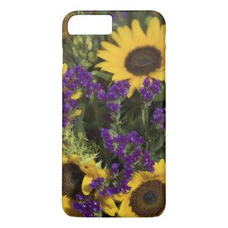 USA, close-up of bridal flower arrangement, iPhone 8 Plus/7 Plus Case