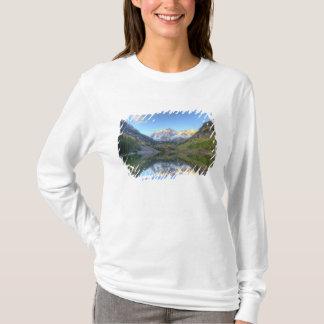 USA, Colorado, Maroon Bells-Snowmass T-Shirt