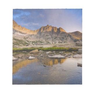 USA, Colorado, Rocky Mountain NP.  Storm clouds Notepad