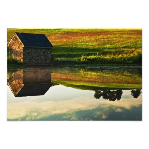 USA, Delaware, Wilmington. Stone barn on edge Art Photo