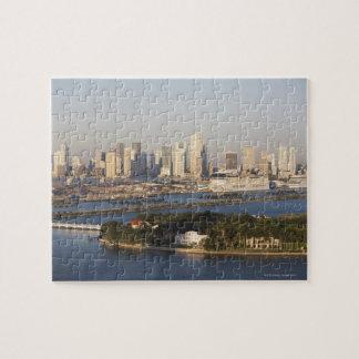 USA, Florida, Miami, Cityscape with coastline Puzzle