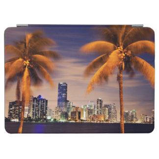 USA, Florida, Miami skyline at dusk iPad Air Cover