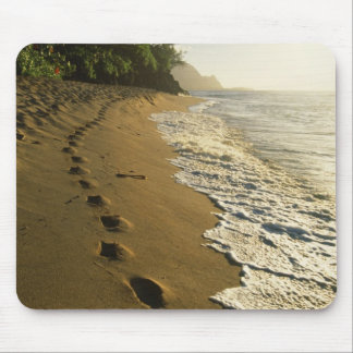 USA, Hawaii, Hanalei. Footprints in sand. Mouse Mat