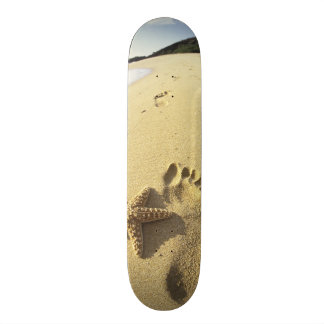 USA, Hawaii, Maui, Makena Beach, Footprint and 21.3 Cm Mini Skateboard Deck