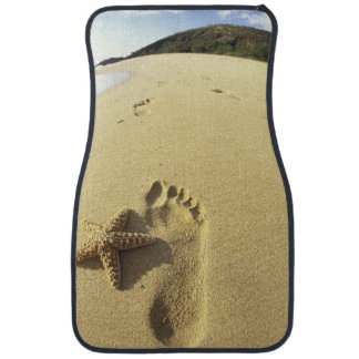 USA, Hawaii, Maui, Makena Beach, Footprint and Car Mat