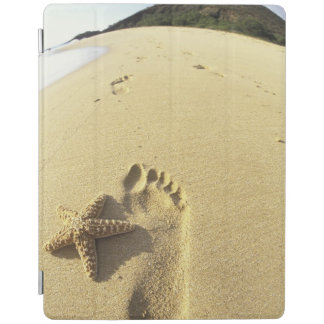 USA, Hawaii, Maui, Makena Beach, Footprint and iPad Cover
