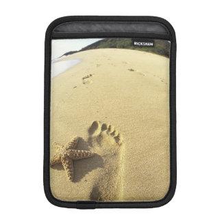 USA, Hawaii, Maui, Makena Beach, Footprint and iPad Mini Sleeve