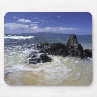 USA, Hawaii, Maui, Maui, Makena Beach, Surf on Mouse Mat