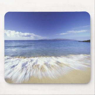 USA, Hawaii, Maui, Surf coming in to Makena Mouse Pad
