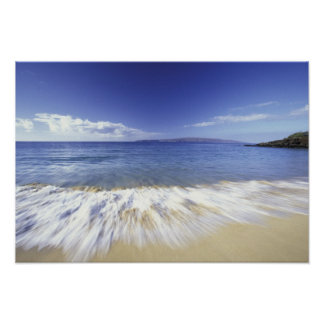 USA, Hawaii, Maui, Surf coming in to Makena Poster