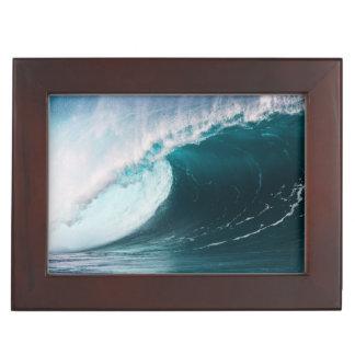 USA, Hawaii, Oahu, Large waves Keepsake Box
